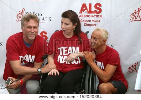 LOS ANGELES - OCT 16:  Peter Horton, Nanci Ryder, Jay D. Schwartz at the ALS Los Angeles County Walk To Defeat ALS at the Exposition Park on October 16, 2016 in Los Angeles, CA