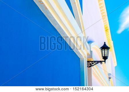 Lamps adorn the walls of the house with beautiful colors.