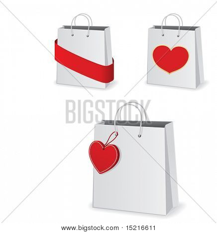 paper shopping bag with heart tag