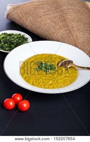 Green squash soup with parsley