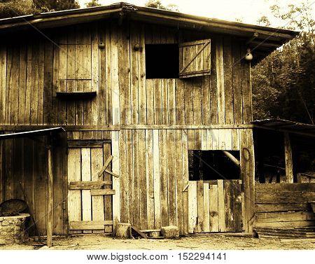 fotografia que mostra a beleza rústica de um seleiro velho