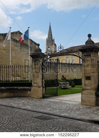 7 may 2014-siant emilion-france- Town Hall sant Emilion in France