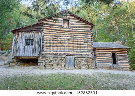 Old pioneer cabin on the smoky mountains national park