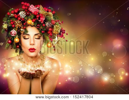 Christmas Wish - Model Fashion With Christmas Tree In Hairstyle