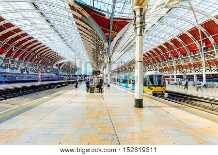 LONDON - SEPTEMBER 08: This is the interior architecture of Paddington station a famous railway station in central London September 8th 2016 in London