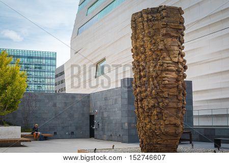 San Francisco California - Outubro 13 2016: Sculpture Garden San Francisco Museum of Modern Art