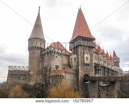 5 January 2013: The Transylvanian Castle In Winter With Melting Snow - Vajdahunyad / Hunedoara, Roma