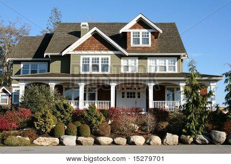 Grande bella casa nuova.