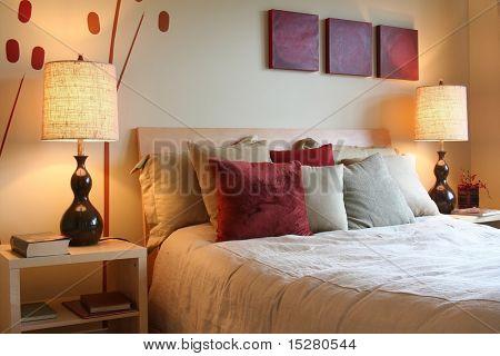 Schöne Schlafzimmer.