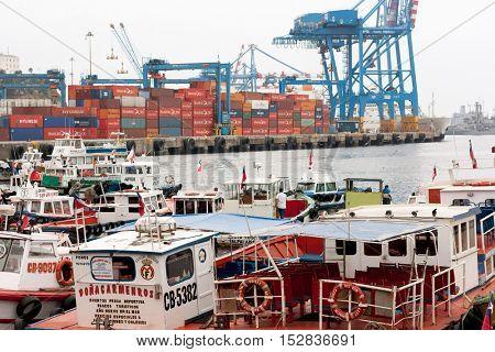 VALPARAISO, CHILE - CIRCA JAN 2014: Valparaiso harbor in Chile