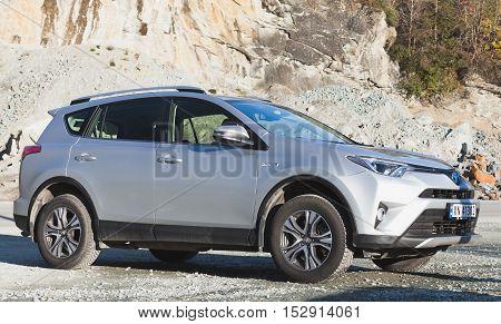Gray Toyota Rav4 Hybrid 2016