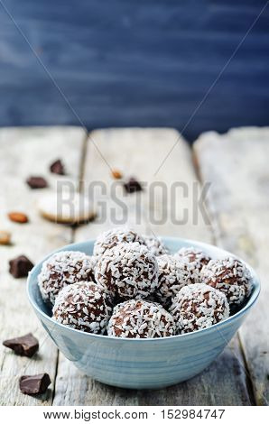 raw vegan almond butter coconut chocolate balls