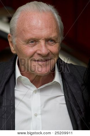 HOLLYWOOD, CA - NOVEMBER 12: Sir Anthony Hopkins arrives at the Los Angeles premiere of