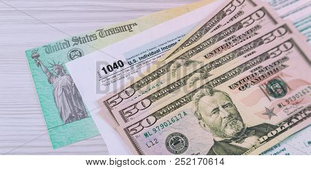 Money And Refund Check Us Federal Tax 1040 Income Tax Form
