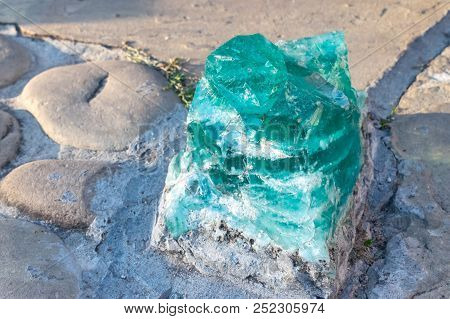 Big Decorative Glass Blue Green Turquoise Crystal. Blue Shining Rock Mountain Crystall Quarz Outdoor