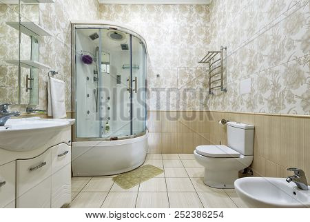 Moscow - May 2, 2018: Interior Of Bathroom In Residential House Or Hotel. Interior Design Of Restroo
