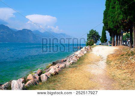 Embankment of Garda lake