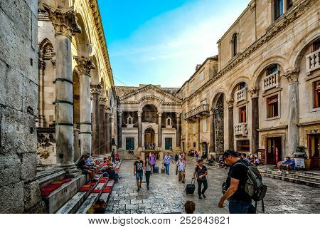 Split, Croatia - September 27 2017: Tourists And Locals Enjoy An Afternoon Shopping And Dining At Th