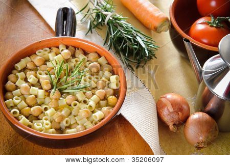 Pasta and chickpeas