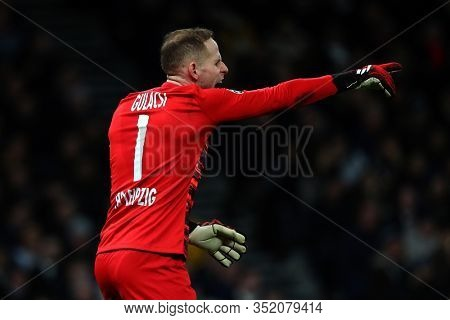 LONDON, ENGLAND. 19 FEBRUARY 2020. Goalkeeper Peter Gulacsi Of Leipzig during the UEFA Champions League match between Tottenham Hotspur and RB Leipzig, at The Tottenham Hotspur Stadium, London England