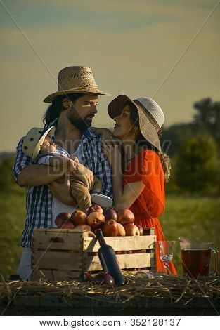 Happy Family Portrayed In A Scene Of Everyday Life In The Countryside 3