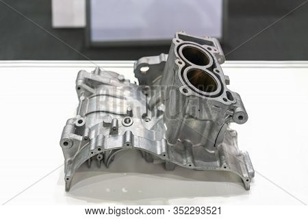 Aluminum Or Alloy Engine Cylinder Block For Automobile Part From High Pressure Die Casting Manufactu