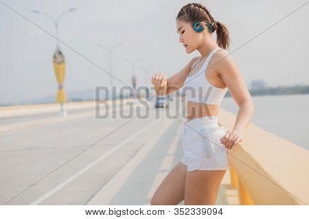 Female Runners Jogging Cardio Running Endurance Training Slow Motion Tracking Close Up For Marathon