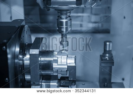 The  Multi-axis  Cnc Milling Machine  Boring  At The Aluminium Casting Parts By Bore Tools . The 4-a