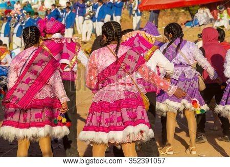 Authentic peruvian dance in Titicaca region