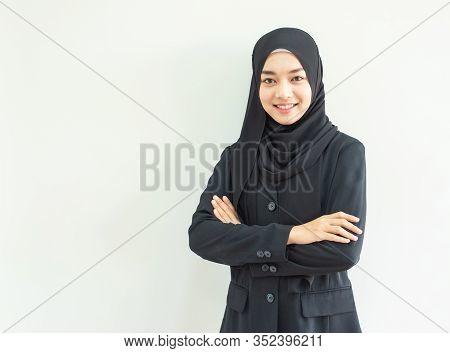 Beautiful Female Muslim Model In Modern Kurung And Hijab, A Modern Lifestyle Apparel For Muslim Wome