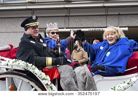 St. Paul, Mn/usa - January 25, 2020: Senior Royalty Waves To Crowd From Carriage During Annual Grand