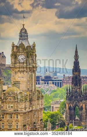 Edinburgh, United Kingdom - May 30, 2019: Famous Central Streets And Buildings Of Edinburgh - The Ca