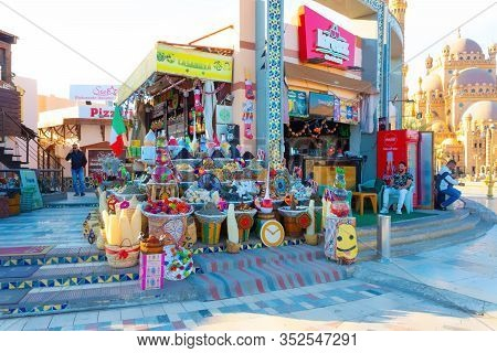 Sharm El Sheikh, Egypt - February 17, 2020: The Local Gift Shop In Egyptian Souvenir Shop At Sharm E