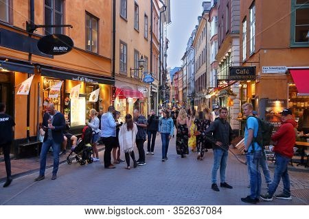 Stockholm, Sweden - August 22, 2018: People Shop In Gamla Stan (old Town) In Stockholm, Sweden. Stoc