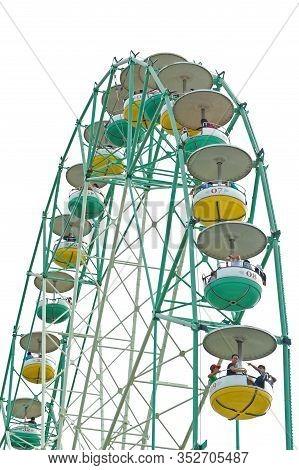Laguna, Ph - Nov 7: Enchanted Kingdom Theme Park Ferris Wheel Ride On November 7, 2009 In Santa Rosa