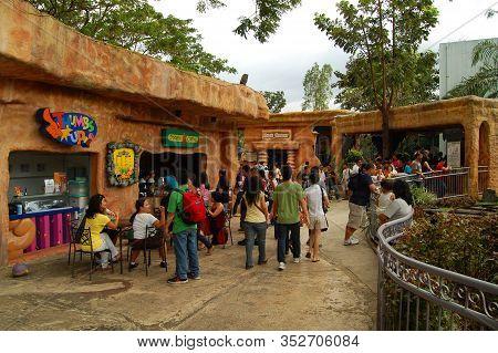 Laguna, Ph - Nov 7: Enchanted Kingdom Theme Park Food Store Facade On November 7, 2009 In Santa Rosa
