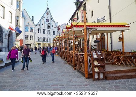 Tallinn, Estonia - June 6, 2017: Summer Cafe With Visitors In The Center Of The Old City In Tallinn.