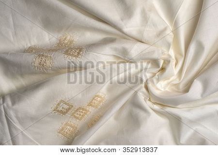 Crumpled Beige Duvet Cover Embroidered In The Style Of Richelieu