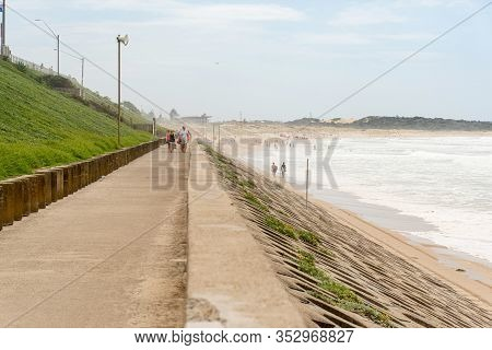 Sydney, Australia 2020-02-15 Sea Wall Exposed After The Storm On A Sandy Beach During High Tide At N