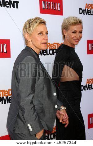 LOS ANGELES - APR 29:  Ellen DeGeneres, Portia DeRossi arrives at the