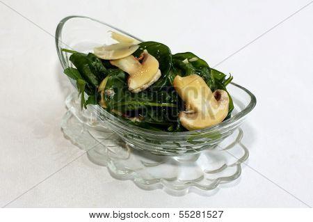 Ruccola salad with mushrooms