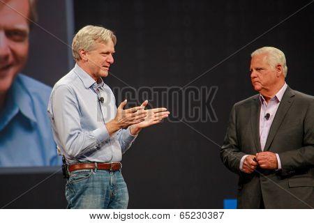 Las Vegas, Nv - May 5, 2014: Emc Ceo Joe Tucci (right) Converses With Founder Of Dssd Company Andy B