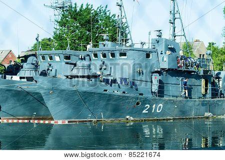 Mine trawler in arrangement 323 Division