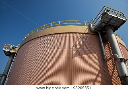 Digestion tank in a sewage treatment plant