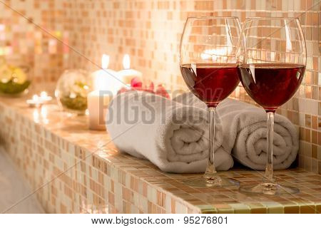 Romantic Decoration In The Bathroom For Loving Couples
