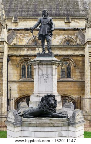 Oliver Cromwell Statue - London