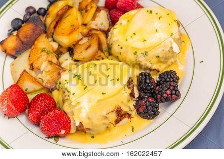 Crabcakes Benedict