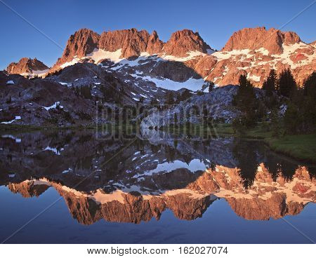 The Minarets are a series of jagged peaks located in the Ritter Range, a sub-range of the Sierra Nevada Mountains in the state of California.
