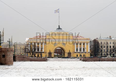 17.12.2016.Russia.Saint-Petersburg.The City Of St. Petersburg.Cityscape with view of the Admiralty Building