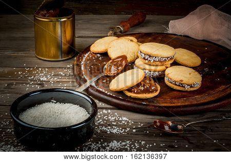 Cooking Alfajores